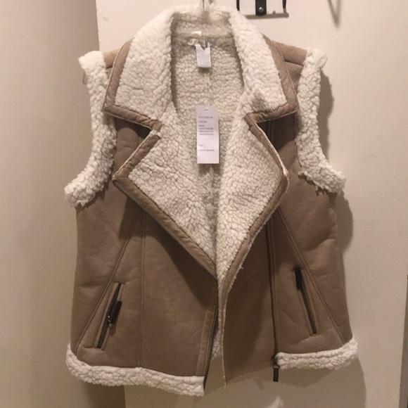 Design history Sherpa faux fur vest NWT large
